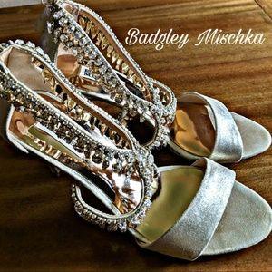 Badgley Mischka Open Toe Gold Gemstone Heel sz 7.5